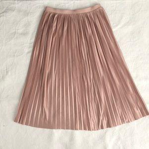 Midi blush pleated skirt